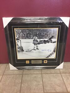 NHL Boston Bruins Bobby Orr Autographed Framed Picture
