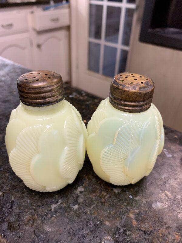 Ditheridge Glass Co Custard Glass Sunset Yellow Salt Pepper Shakers  1894-1897
