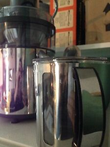 Bella Juicer, new few times used only
