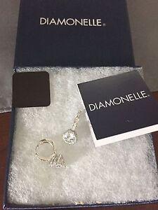 Diamonelle earrings