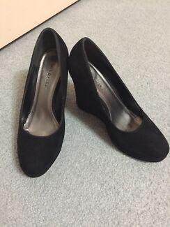 Black wedges size 8 1/2 worn once Ruse Campbelltown Area Preview