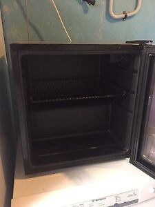Black mini bar fridge Perth Perth City Area Preview