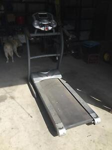 Hypertension electric treadmill w/tv model 50012 Tumbi Umbi Wyong Area Preview