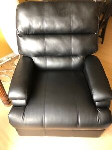 New Faux Leather Recliner Chair - Black