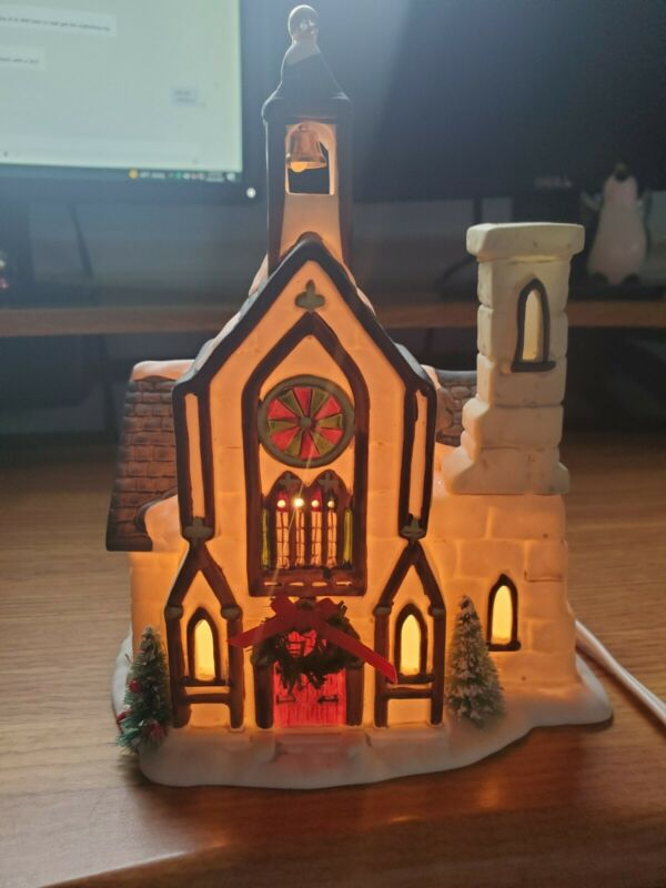 1991 Christmas Valley Porcelain Church Hand Painted Light Up Vintage with box!