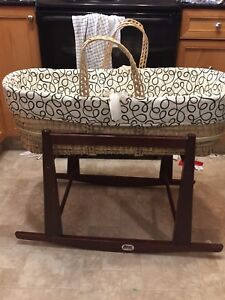 Bassinet/stand