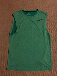 Nike Men's Running Shirt Medium