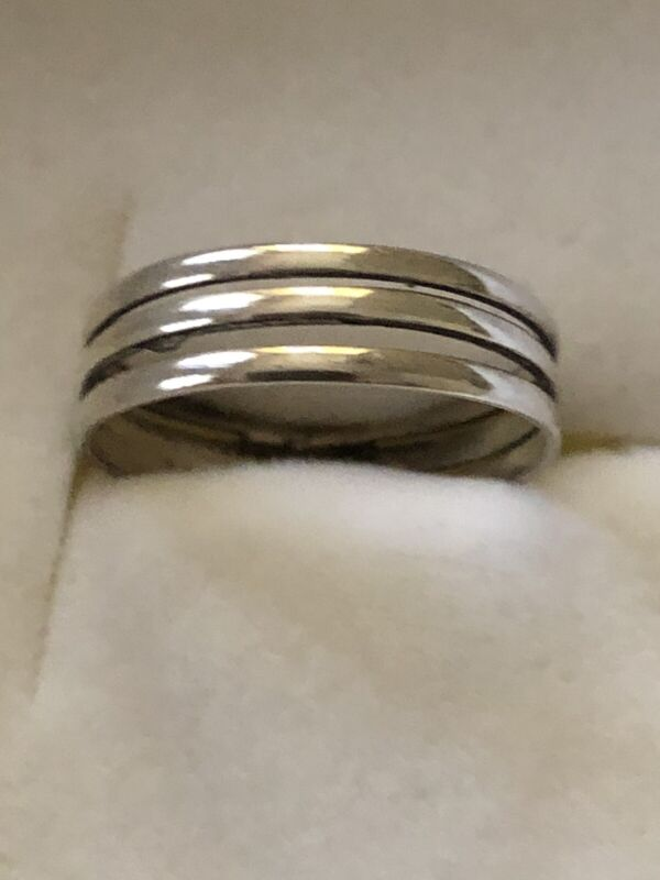 A Beautiful vintage Sterling Silver Triple  Band In One Ring  Size 6.5