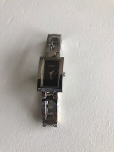 Guess Ladies Watch (stainless steel)