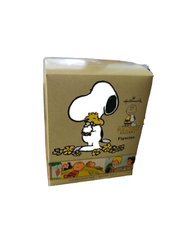 Hallmark Peanuts Gallery Figurine Snoopy Woodstock Happiness is a Hug 2011 EUC