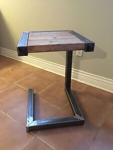 Side table - Artisanale- Industrial - Pine    West Island Greater Montréal image 2
