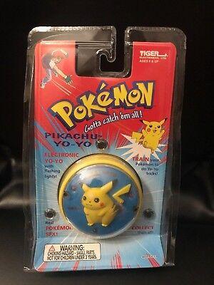 New Vintage Pokemon Pikachu Yo-Yo 1999 With Flashing Lights Tiger Electronics - Pokemon Yo