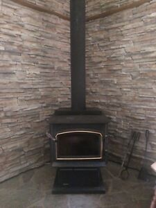 Wood stove and chimney , and utensils