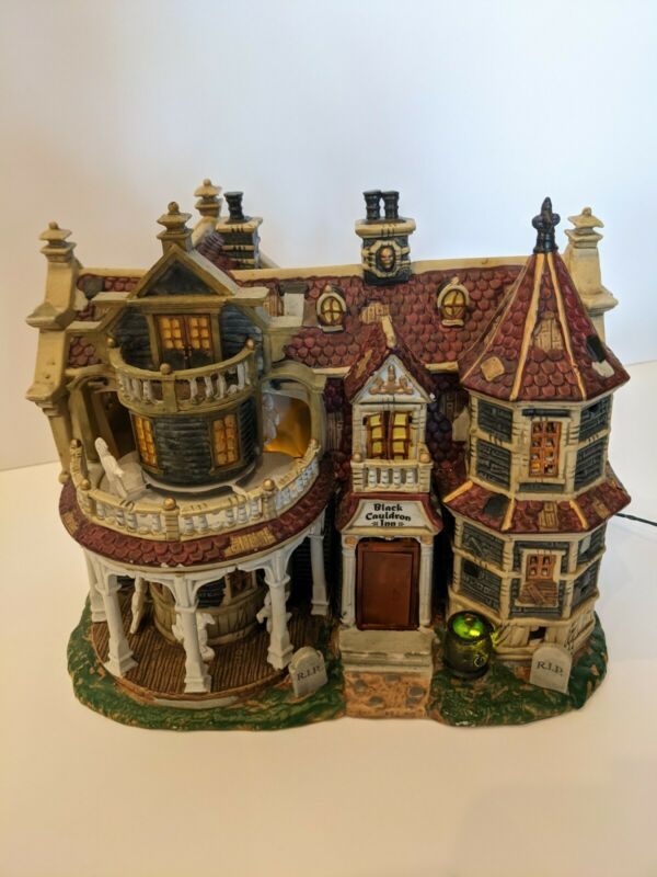 Lemax Retired Rare Halloween Spooky Town Black Cauldron Inn House 2002