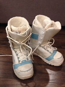Snowboard boots size 8.5 women