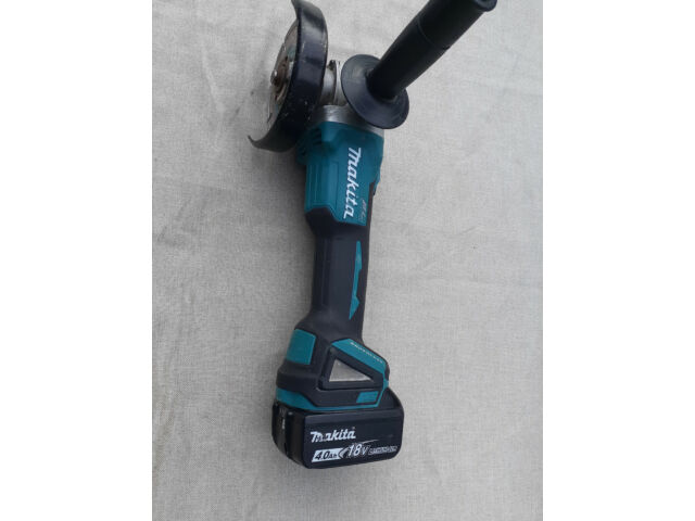 Makita DGA456 Li-ion LXT Brushless 115 mm Angle Grinder With 4ah Battery
