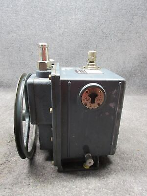 Sargent-welch Scientific Co. 1402 Duo-seal Vacuum Pump Testedworking