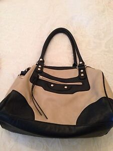 Black and cream ladies handbag South Canberra Preview