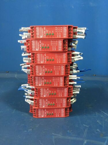 SHNEIDER ELECTRIC XPS-AFL SAFETY RELAY XPSAFL5130P LOT OF 8
