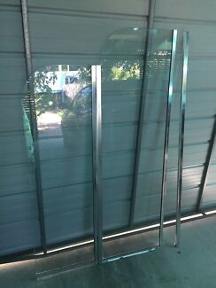 Over bath folding shower screen, 900mm wide. North Willoughby Willoughby Area Preview