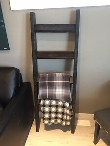 Ebony blanket ladder