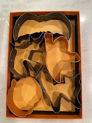 5 Pc Halloween Cookie Cutter Metal Boxed: Cat Bat Ghost Witch Pumpkin EUC