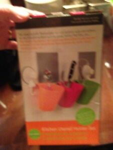 New in box-utensil holder