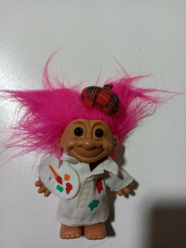 "Vintage RUSS Troll ARTIST PAINTER  5"" with Fuschia Hair #18326 sticker"