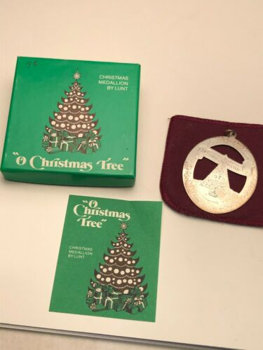 """Lunt 1978 Sterling Silver """"O Christmas Tree""""  Ornament, gently used"""