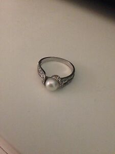 Silver Pearl Ring  London Ontario image 3