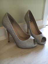 Silver Formal Shoes size 6 Valentine Lake Macquarie Area Preview