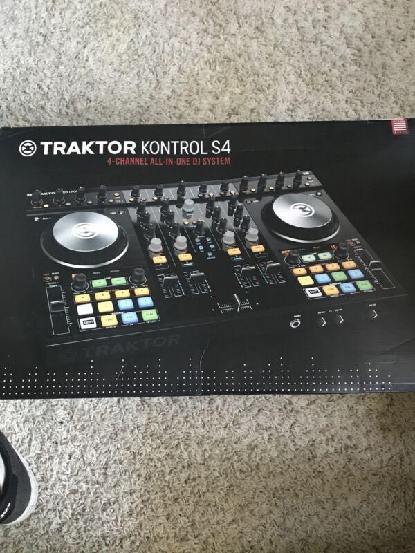 Native Instruments 22400 Digital DJ Controller