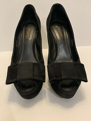 Louis Vuitton Suede Bow Heels Size 38 Authentic
