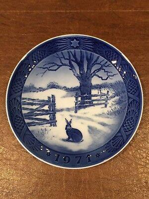Vintage 1971 ROYAL COPENHAGEN Blue/White Christmas Collectors Plate Denmark EUC