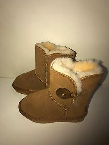 New toddler ugg boots Narre Warren Casey Area Preview