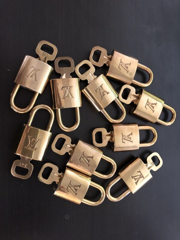 AUTHENTIC Louis Vuitton Lock & Key Brass Keepall Speedy Alma Padlock Charm Gold