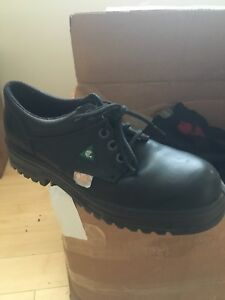 Safety shoes size 10 steel toe