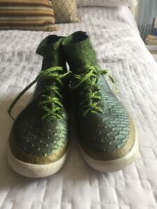 Barely used mike magista soccer shoes