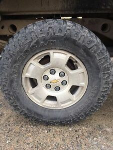 LT285/70R17 tires and rims