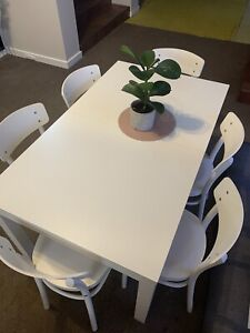 All white Dining table set