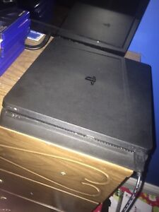 New ps4 slim perfect condition