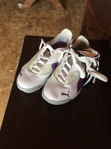 Women's Golf Shoes (size 6) and golf glove