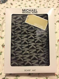 Michael Kors hat + scarf set