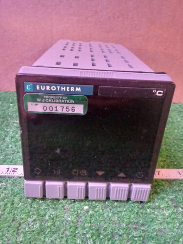 1 USED EUROTHERM 902S TEMPERATURE CONTROLLER ***MAKE OFFER***