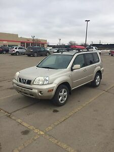 2005 Nissan Xtrail LE fully loaded well maintained