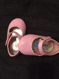 Size 2 pink shoes