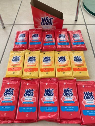 Wet Ones 15 Pull out packs each 20 ct total 300 pieces fresh scent/tropical spla