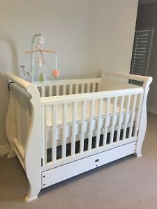 Boori Cot and Changing Table (FREE CONTACTLESS DELIVERY)