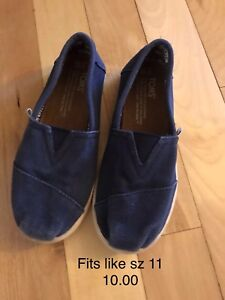 Size 11 Toms