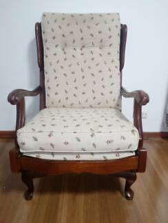 Rocking arm chair